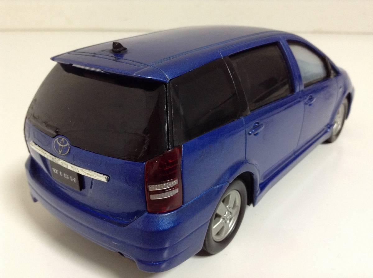 トヨタ 初代 ウィッシュ10 2.0G 1.8X Sパッケージ 前期型 2003年式~ 1/24 約19cm カラーサンプル 色見本 ミニカー 非売品 青M 送料¥500_中古品ですスレキズ欠損があります。