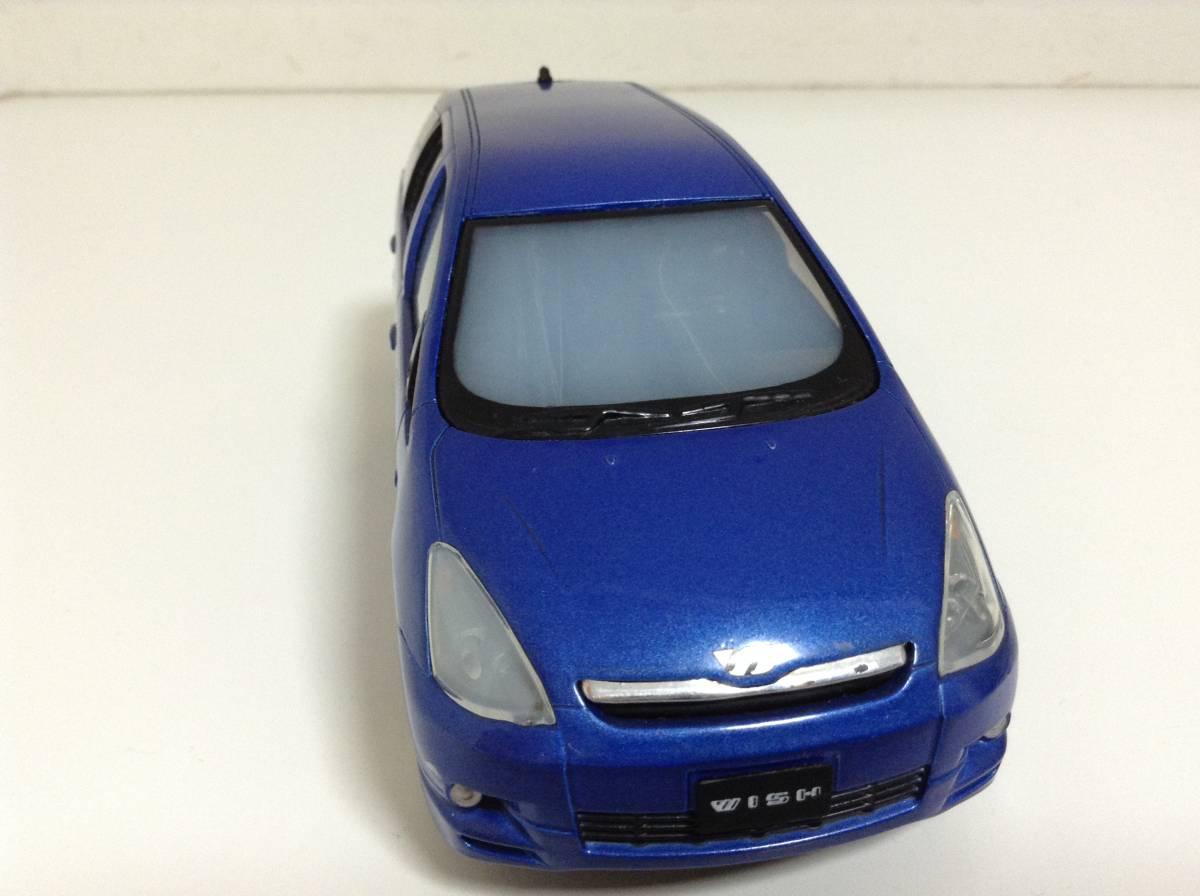 トヨタ 初代 ウィッシュ10 2.0G 1.8X Sパッケージ 前期型 2003年式~ 1/24 約19cm カラーサンプル 色見本 ミニカー 非売品 青M 送料¥500_画像3