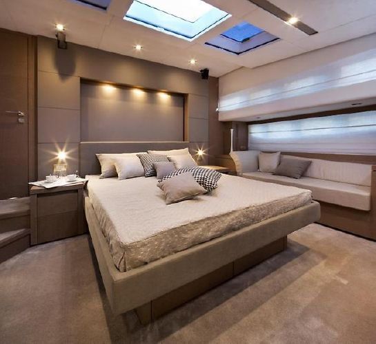 2017' Prestige 750 Motor Yacht 成功者の1艇です!!_画像4