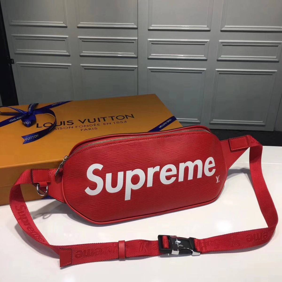 LOUIS VUITTON × Supreme Bumbag PM 新品 バムバッグ 正規店購入 ルイ・ヴィトン シュプ