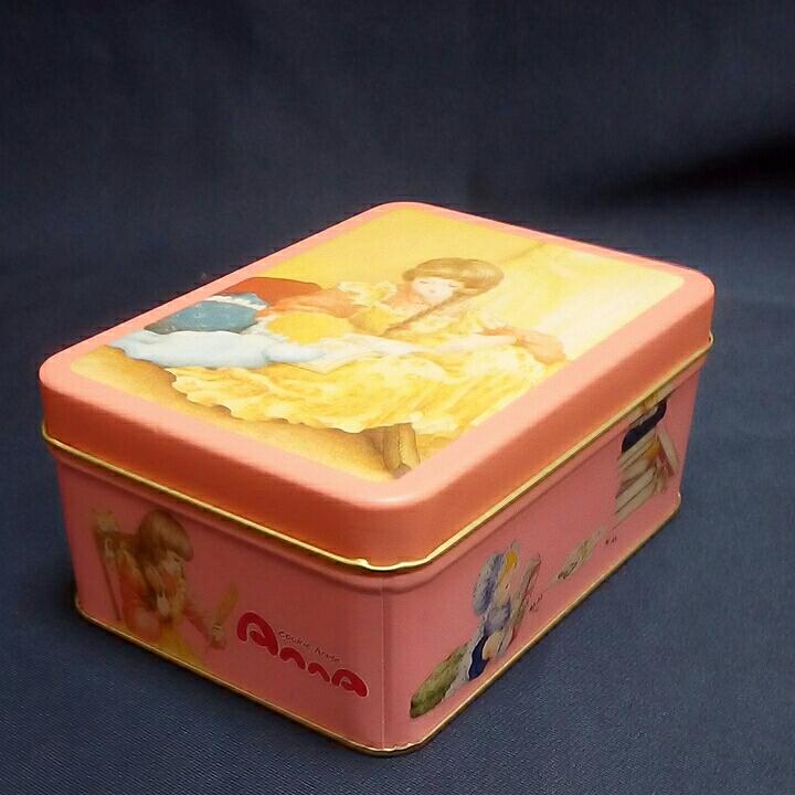 年代物 レトロな ブリキ 空き缶 2個 少女 クッキー 空きカン 昭和レトロ 大正ロマン 希少品 インテリア 小物入れ 飾り置物_画像7