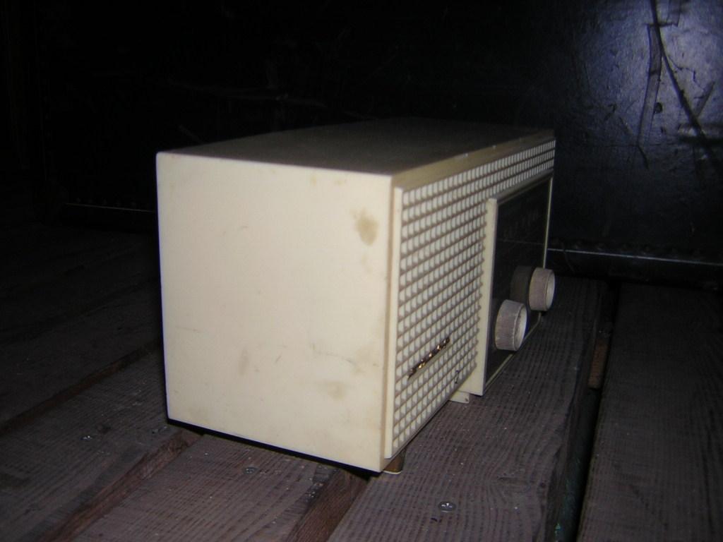 シャープ 真空管ラジオ 現状ジャンク品 早川電機 _画像8