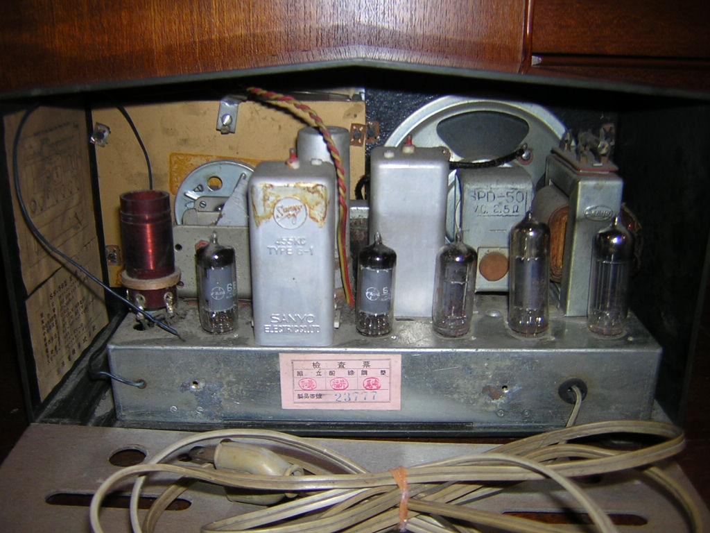 サンヨー 真空管ラジオ SS-58 箱付き 現状ジャンク品扱い レトロ _画像4