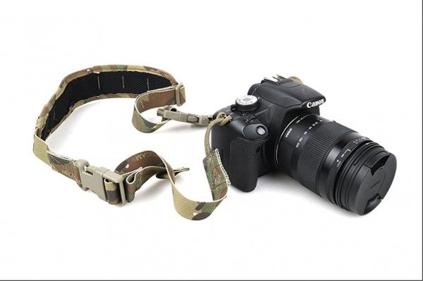 TMC社製の正規品E9 G1 カメラ スリング ストラップ【Multicam 】_画像2