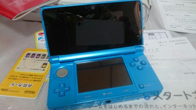 NINTENDO 3DS 任天堂 ライトブルー 本体 箱 説明書 保証書 アダプター 充電器 稼働品 完動 美品_画像3