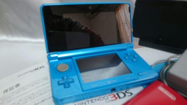 NINTENDO 3DS 任天堂 ライトブルー 本体 箱 説明書 保証書 アダプター 充電器 稼働品 完動 美品_画像2