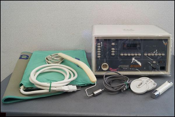 税込◆送料無料◆メディック◆AT9000Ⅱ 電位治療・温熱治療器 メディカル電子工業 簡易医療機器 温熱-K93642