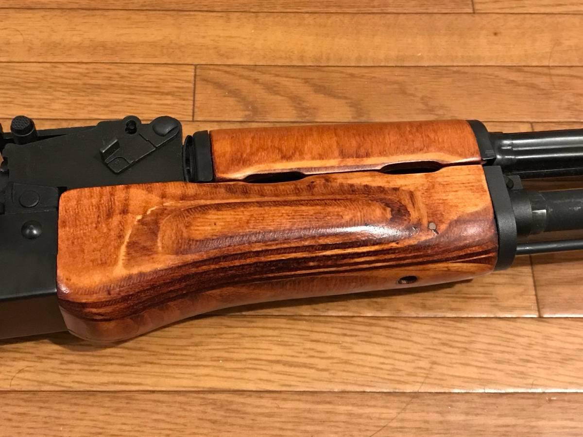 木製ハンドガード(右側)