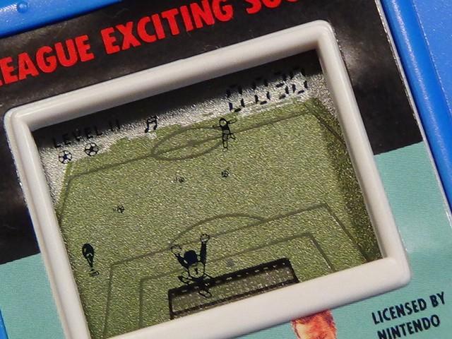 レトロ エポック社 J.リーグ エキサイティングサッカー Jリーグオフィシャル LCD ゲーム ゴールキーパー SOCCER LSI 動作OK 箱付_画像2
