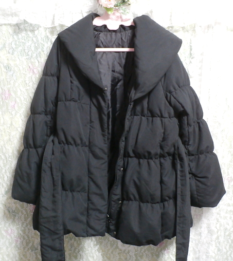 黒のダウンとフェザーのフードと帯び付きあったかコート/外套 Black feather hood down coat_画像3