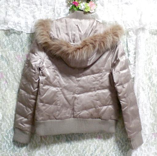 光沢ベージュ亜麻色ブルーフォックスファー毛皮フードダウンコート/アウター Shiny beige flax color blue fox fur hooded down coat/outer_画像2