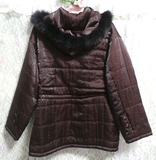 こげ茶色のフード付き光沢フワフワあっかたコート/外套 Dark brown hooded glossy fluffy coat_画像3