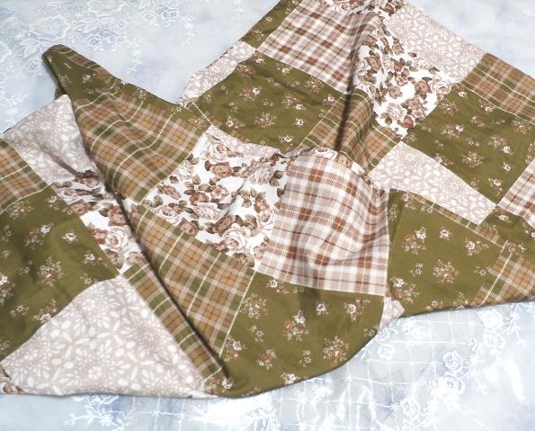 深緑と茶色と白の花柄チェックタイル風枕カバーシーツ/アイテム/Items_画像2
