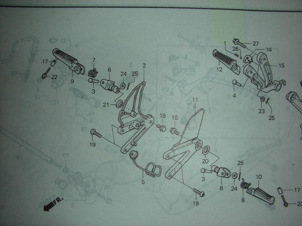 ホンダ 希少 新品 NSR250R MC28/MC21 純正ステップホルダー取付用ボルト 4個_番号 19 です(参考画像MC28)