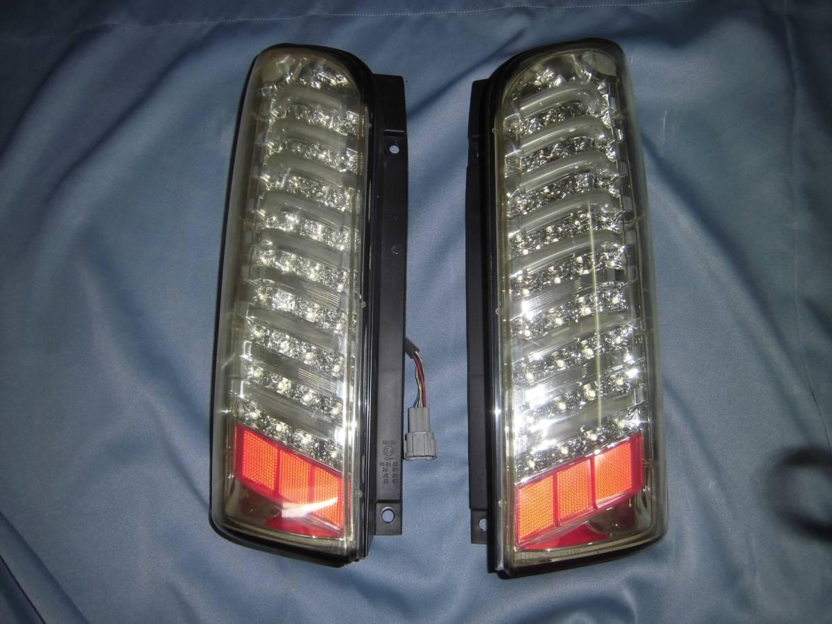 NV350キャラバンの社外LEDテールライト