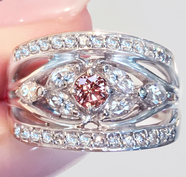 《FANCY INTENSE PINK》PT900 ピンクダイヤ リング 0.212ct! 0.82ct! インドの工房 中央宝石研究所