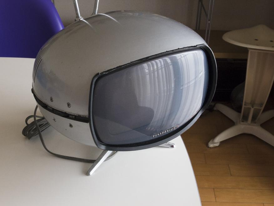 希少☆ナショナル Panasonic トランジスターTV TR-005 (TR-603A)スペースエイジ ミッドセンチュリー ブラウン管 デザイン家具_画像2