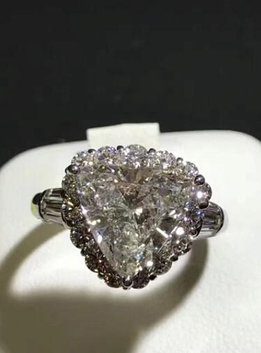 ダイヤリング DIAMOND PT900  ダイヤモンド 3.805ct! GカラーUP!SI2 中央宝石研究所 再落なし!!_画像3