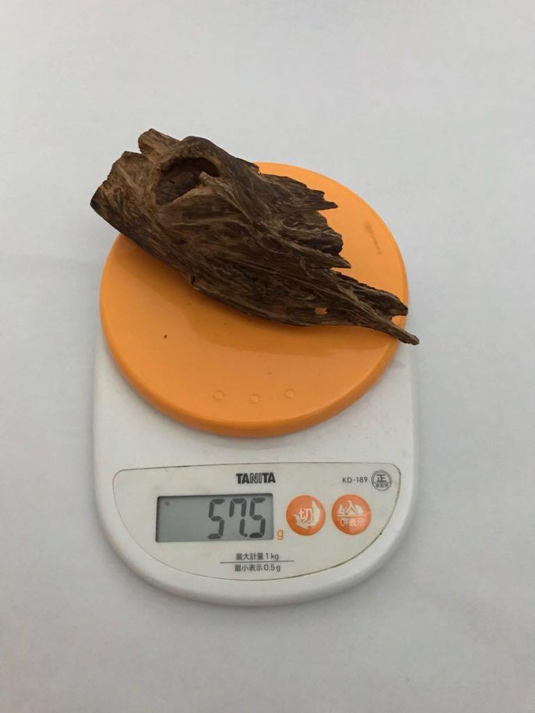ベトナム産香木 伽羅 約57g 最高級 沈香 香道 茶道 沈水香木 象牙 翡翠