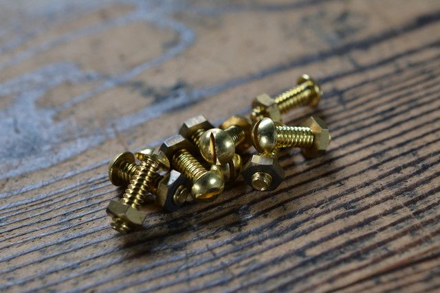 NO.1133 古いマイナスボルト・ナット 真鍮 丸頭 W3/16×16mm 4本SET 検索用語→A50gアンティークビンテージ古道具真鍮金物レストア修理_画像1