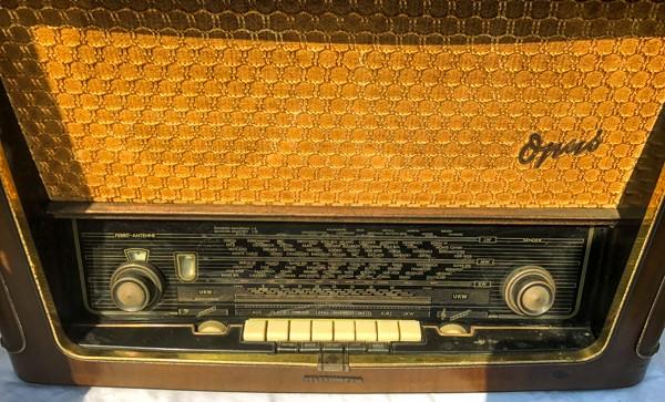 TELEFUNKEN Opus7 西ドイツ テルファンケン オプス7 真空管ラジオ ビンテージ_画像2