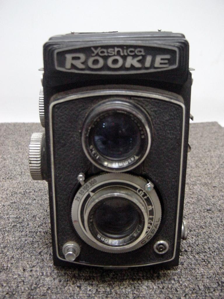 二眼レフカメラYASHICA ROOKIE ジャンク品_画像1