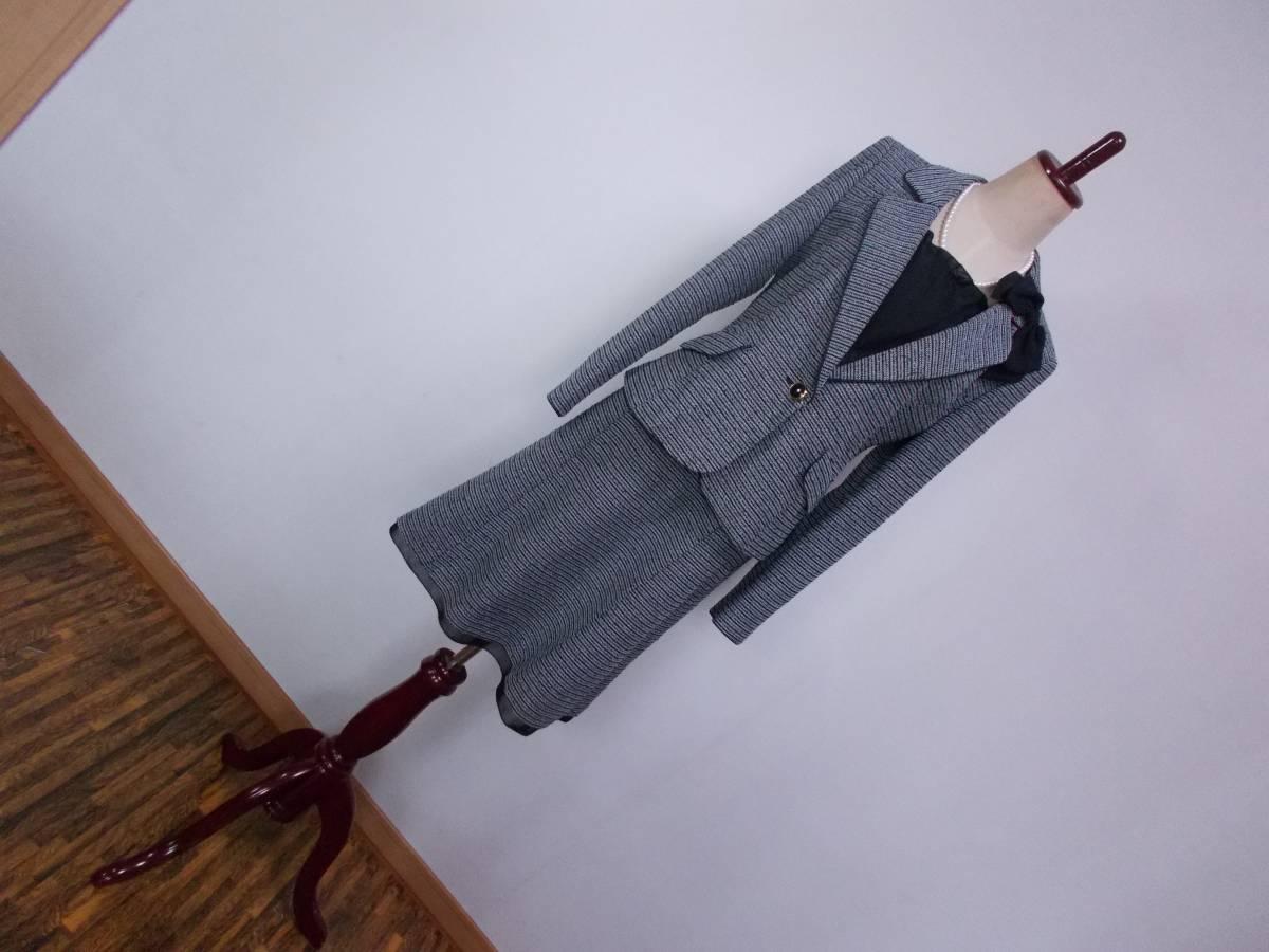 30-226新品フォーマルスーツセレモニースーツ白黒ツイードテーラードジャケットひざ丈スカート9号 M リボンコサージュ卒業式入学式結婚式_画像1