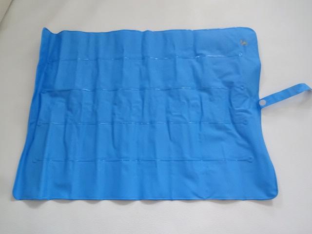 O / 折りたたみ式 / 枕 ピロー / 車中泊 キャンプ 登山 / 携帯用 枕 空気枕 / ブルー 中古品_画像2
