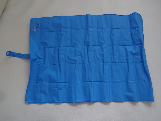 O / 折りたたみ式 / 枕 ピロー / 車中泊 キャンプ 登山 / 携帯用 枕 空気枕 / ブルー 中古品_画像1