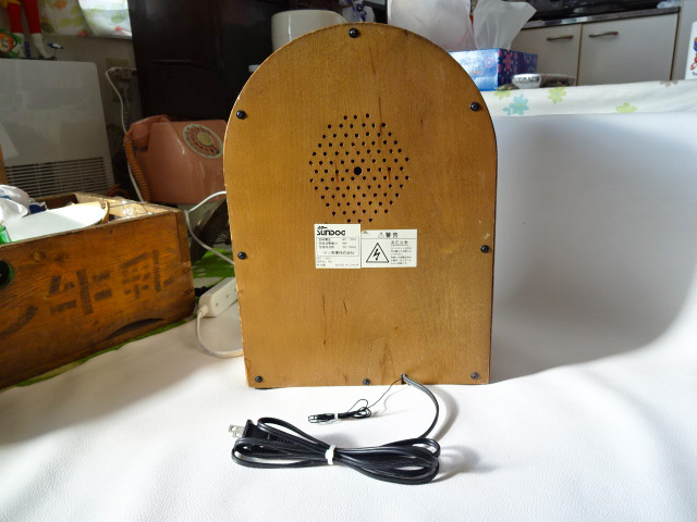 H/ サン商事 / SUNDOG SDC-500 ジュークボックス 型ラジオ / カセットデッキ付き AM/FM ラジオ / アンティーク調 アーチ型 ラジオ / 中古品_画像5
