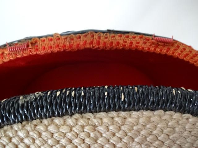 A / 脚付き 裁縫箱 ソーイングボックス / 刺繍入り 裁縫籠 / 中古品_画像5