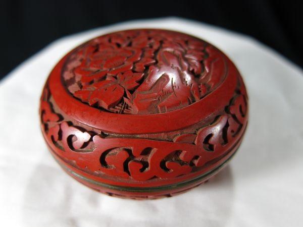 A 銅胎堆朱花彫文香合 金工 香合 堆朱 中国 古玩 漆器 漆_画像7