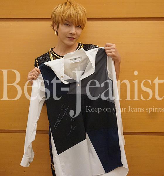 [チャリティ]超新星のユナクさん直筆サイン入りご本人着用の衣装