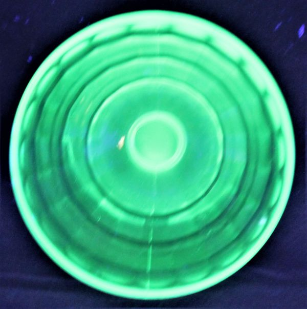 B-326 ウランガラス シャーベットグラス 氷皿 プレスガラス アイスクリーム鉢 高さ7.4センチ 2客 蔵出 古玩_画像5