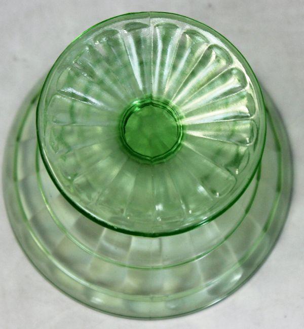 B-326 ウランガラス シャーベットグラス 氷皿 プレスガラス アイスクリーム鉢 高さ7.4センチ 2客 蔵出 古玩_画像9