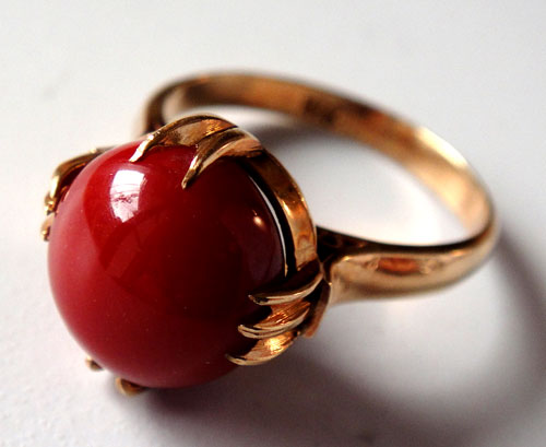 255-180217K5 K18 金 GOLD ゴールド 天然 本物 血赤 珊瑚 サンゴ コーラル リング 指輪 10mm 11号 特別価格_画像1