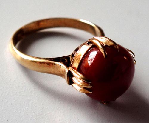 255-180217K5 K18 金 GOLD ゴールド 天然 本物 血赤 珊瑚 サンゴ コーラル リング 指輪 10mm 11号 特別価格_画像2