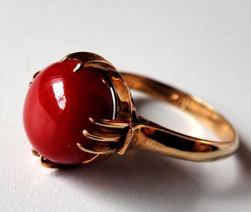 255-180217K5 K18 金 GOLD ゴールド 天然 本物 血赤 珊瑚 サンゴ コーラル リング 指輪 10mm 11号 特別価格_画像3