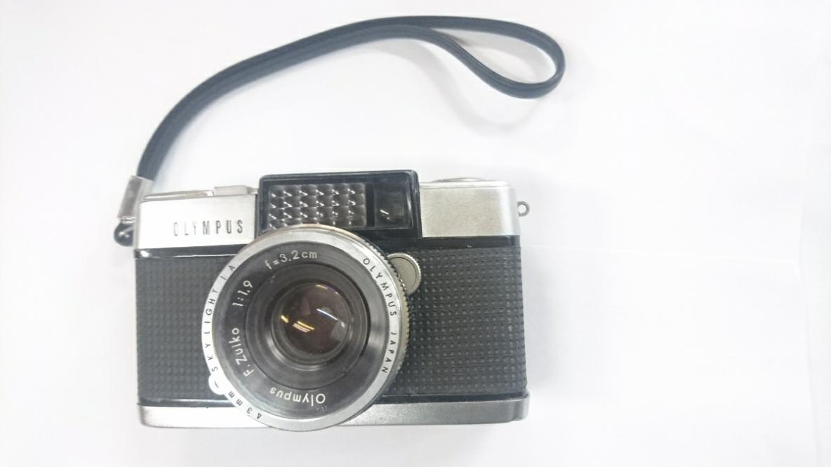 ☆ コンパクトフィルムカメラのベストセラー オリンパス ペン-D PEN-D アンティーク ☆
