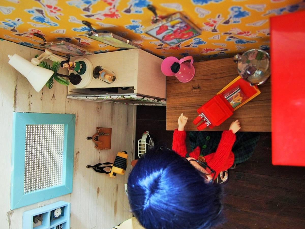 カスタムドールと1/6サイズドールハウスのセット_画像9