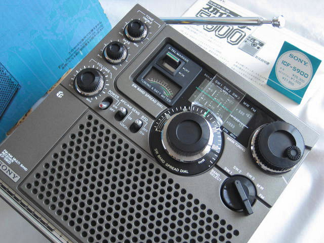 BCL 極上品 完全動作調整済品 SONY ソニー スカイセンサー5900 後期型 箱入 高感度 高性能 スプレッドダイヤル 昭和トランジスタラジオ_画像3
