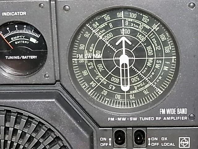 ワイドFM受信可 National Panasonic 松下電器産業 元箱付属品付 極上美品RF-877クーガNo.7BCLラジオ 18022550_画像3