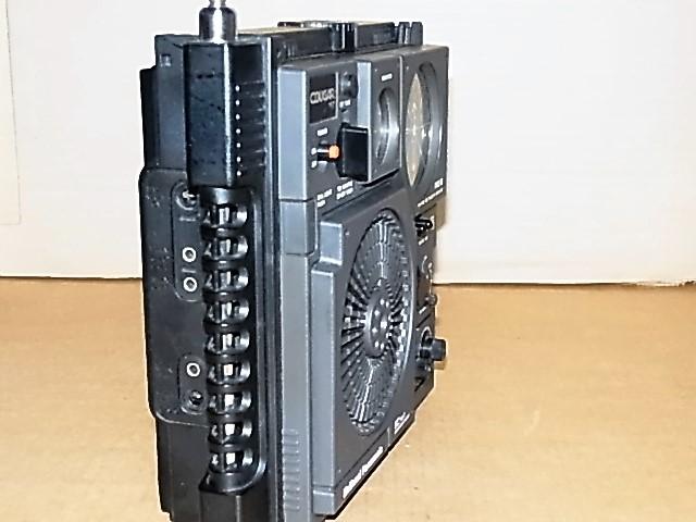 興味ある方にどうぞ 懐かしい形のラジオ、FM/MW/SW 3BAND National Panasonic クーガーNO.7♪ 《RF-877》 ラジオ完動良美品18031273_画像4