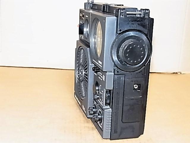 興味ある方にどうぞ 懐かしい形のラジオ、FM/MW/SW 3BAND National Panasonic クーガーNO.7♪ 《RF-877》 ラジオ完動良美品18031273_画像5