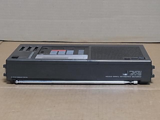 懐かしい形のラジオ、 SONY ラジオ♪ 興味ある方にどうぞ《ICF-2001 》 ラジオ ジャンク品 18031305_画像5