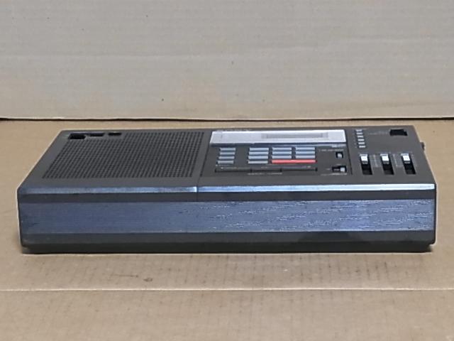 懐かしい形のラジオ、 SONY ラジオ♪ 興味ある方にどうぞ《ICF-2001 》 ラジオ ジャンク品 18031305_画像6