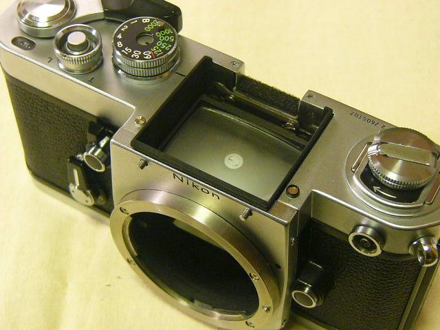 外観綺麗 Nikon ニコン F2/760番台 + アイレベルファインダーDE-1 (実動作・極美品) 腐食無し極上/ジャンク扱い_画像4