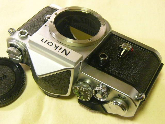 外観綺麗 Nikon ニコン F2/760番台 + アイレベルファインダーDE-1 (実動作・極美品) 腐食無し極上/ジャンク扱い