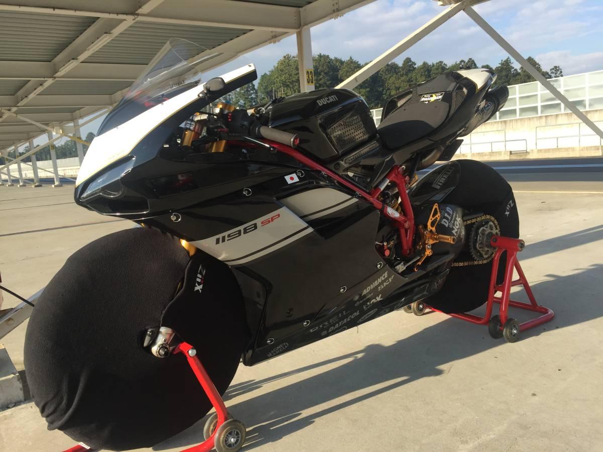 DUCATI ドゥカティ1198SP 正規ディーラー車 フルカスタム 低走行エンジン載せ替え 車体周