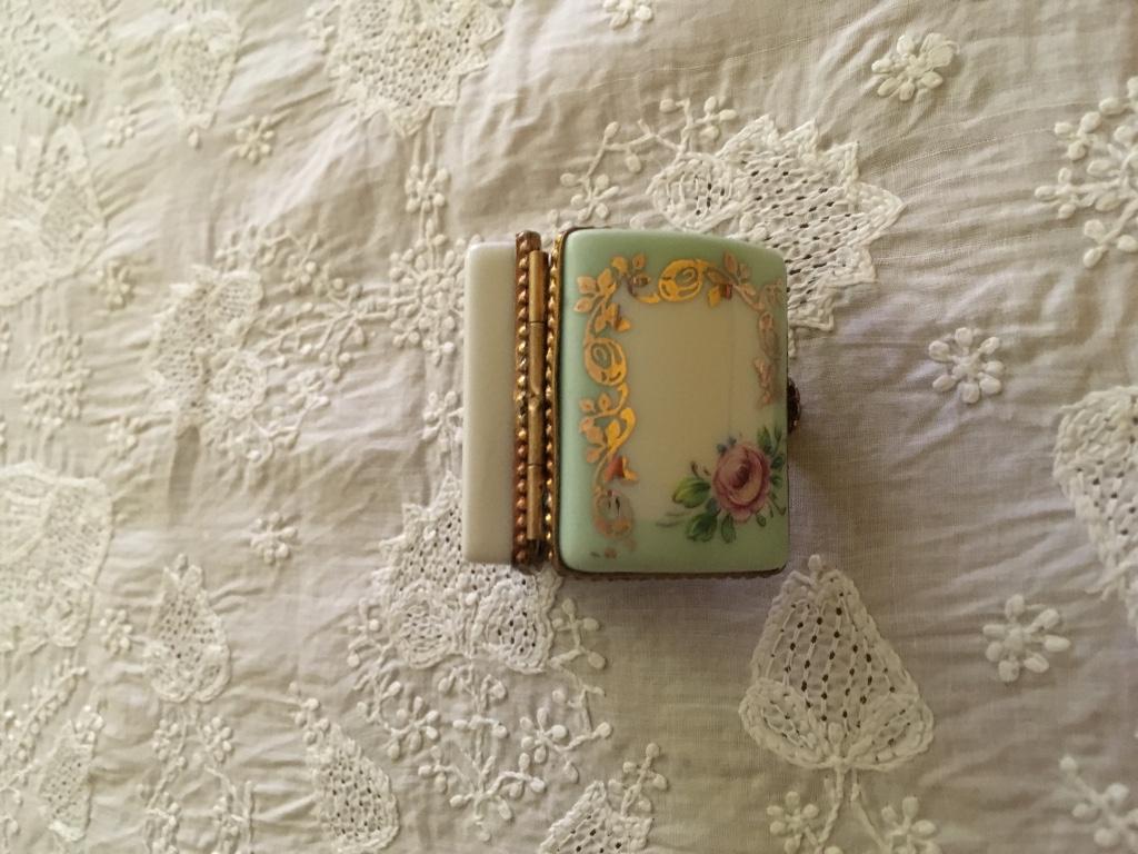 デッドストック フランスアンティーク リモージュ小物入れ かまぼこ型 ミニバラ 緑色_画像5
